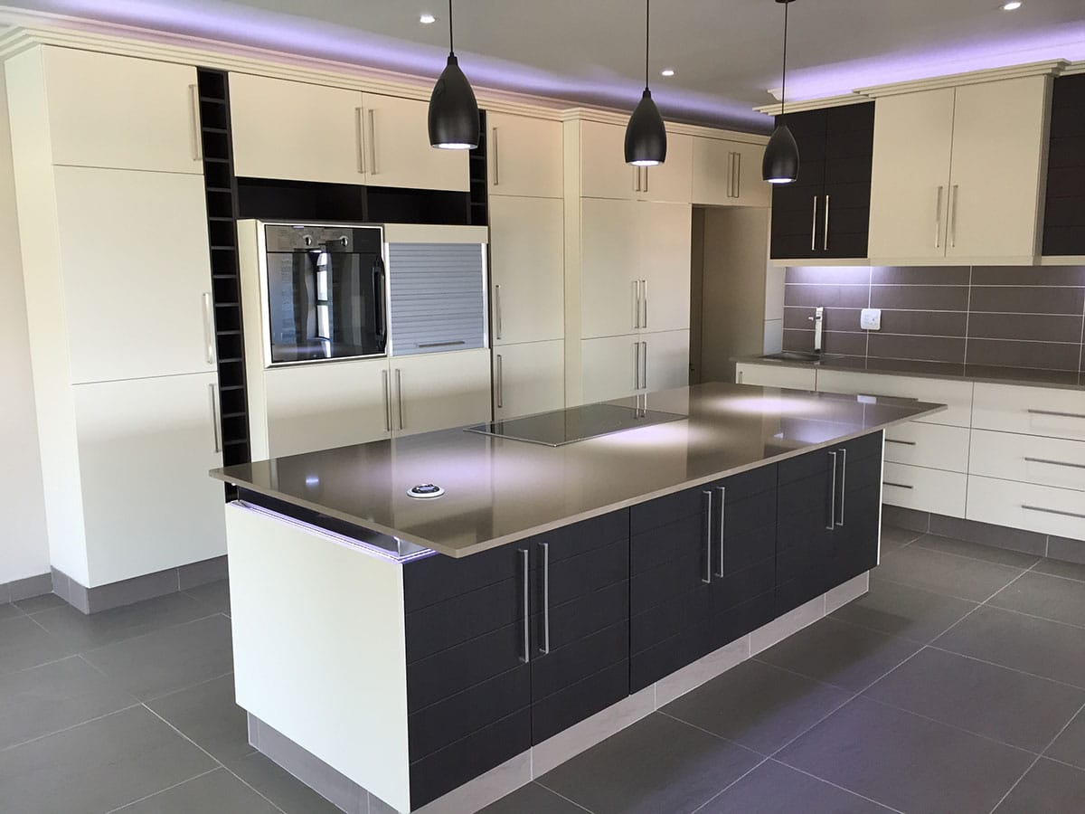 Built in cupboards manufacturers durban pretoria fitted for Kitchens pretoria