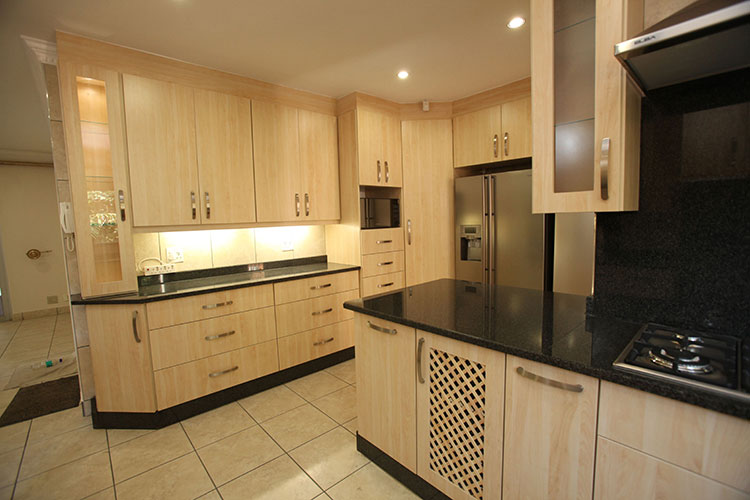 100 kitchen designs pretoria kitchen cupboards in for Kitchen designs pretoria