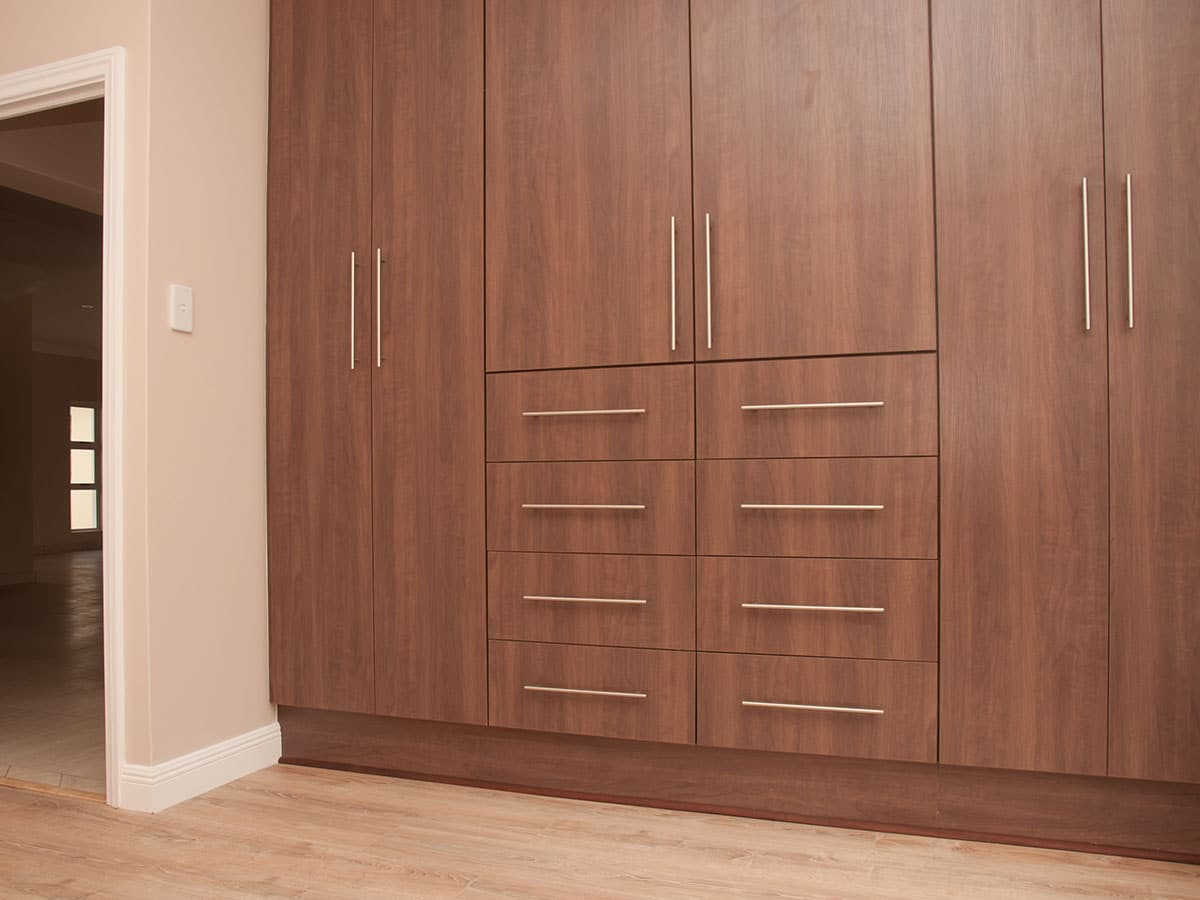 Built in cupboards manufacturers durban pretoria fitted for Built in kitchen cupboards for a small kitchen