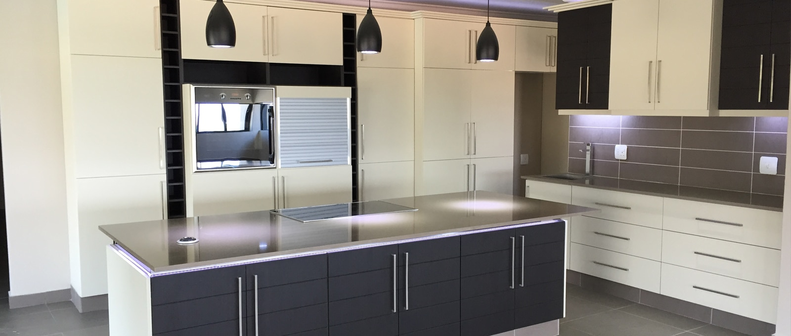 Kitchen cupboards installation